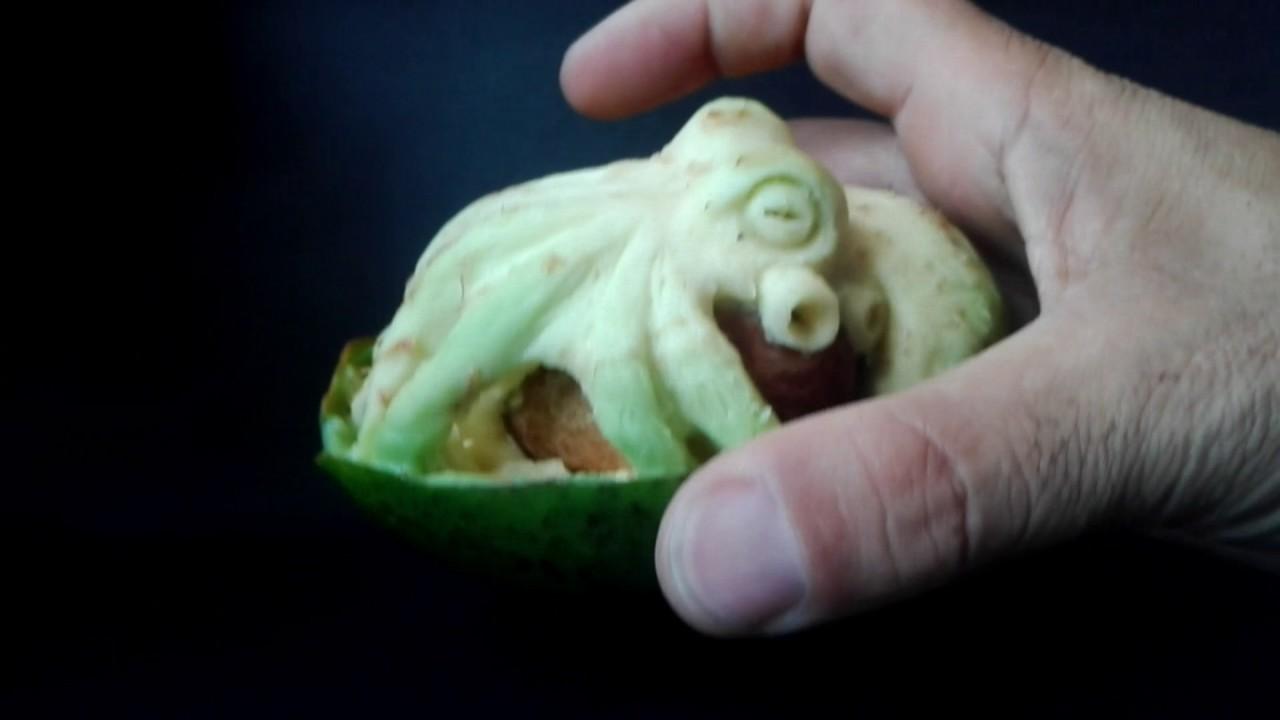 Octupus-Avocado Carving - Scuruchi - YouTube