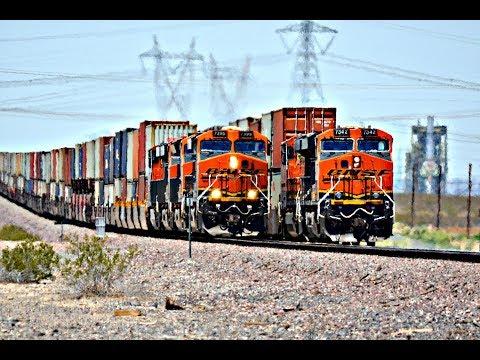HD: HIGH SPEED BNSF FREIGHT TRAINS ACROSS THE DESERT - 2018