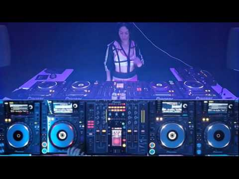 Dj VANESSA MORENO TECH HOUSE 2015 LİVE PERFORMANCE SET 2 CDJ 2000 NEXUS 4 DECK