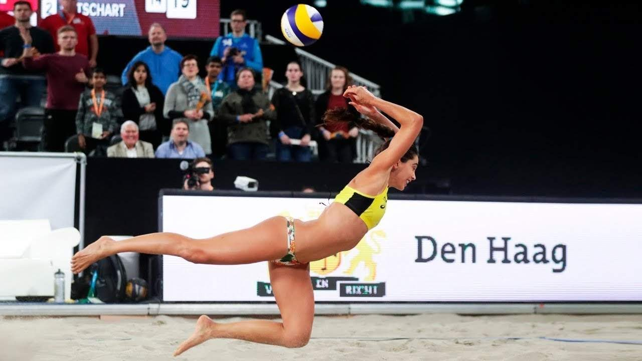 Women S Beach Volleyball Crazy Actions Digs Saves Youtube