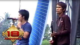 Peterpan - Diatas Normal  (Live Konser Mataram 4 November 2007) MP3