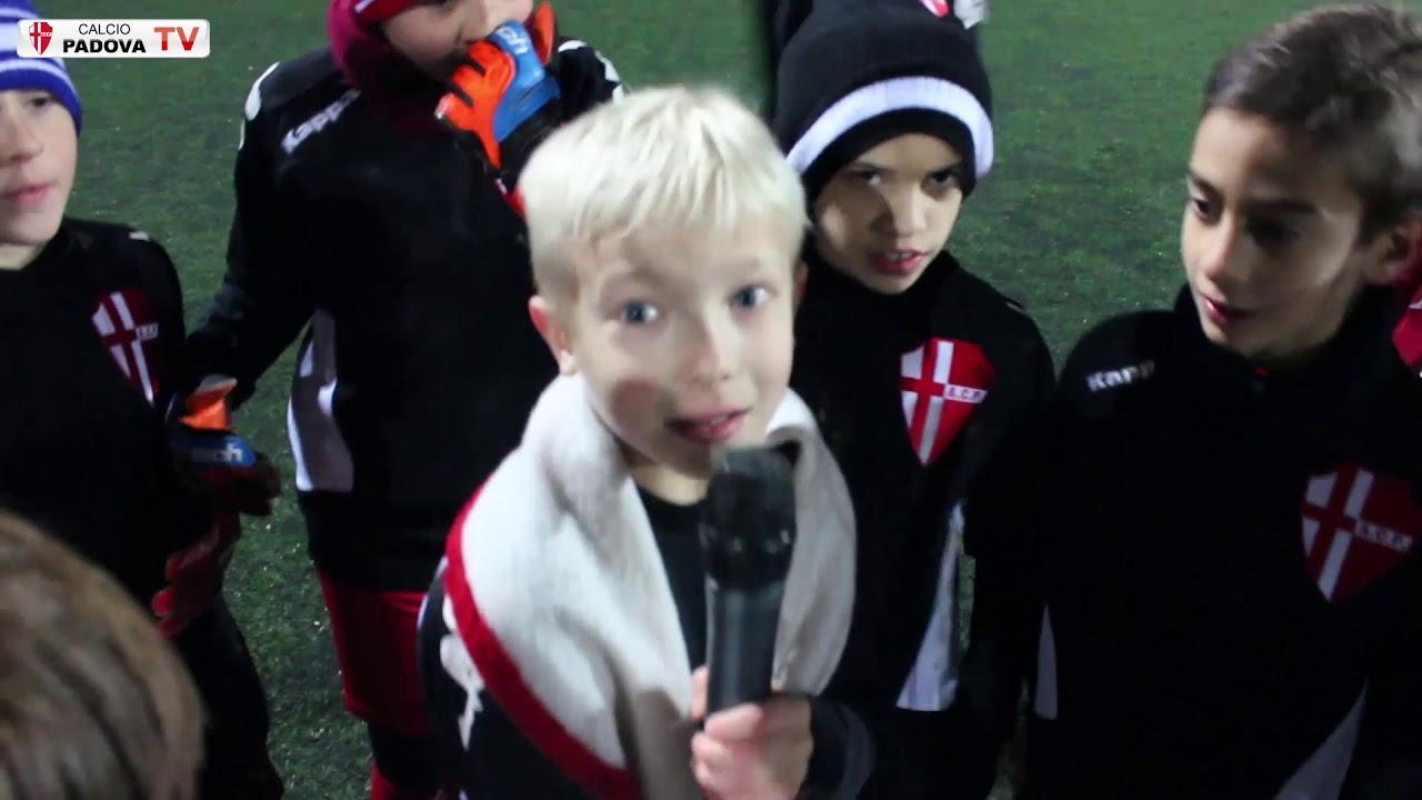 Calcio Per Bambini A Padova : Buon natale dai pulcini 2010 calcio padova! youtube