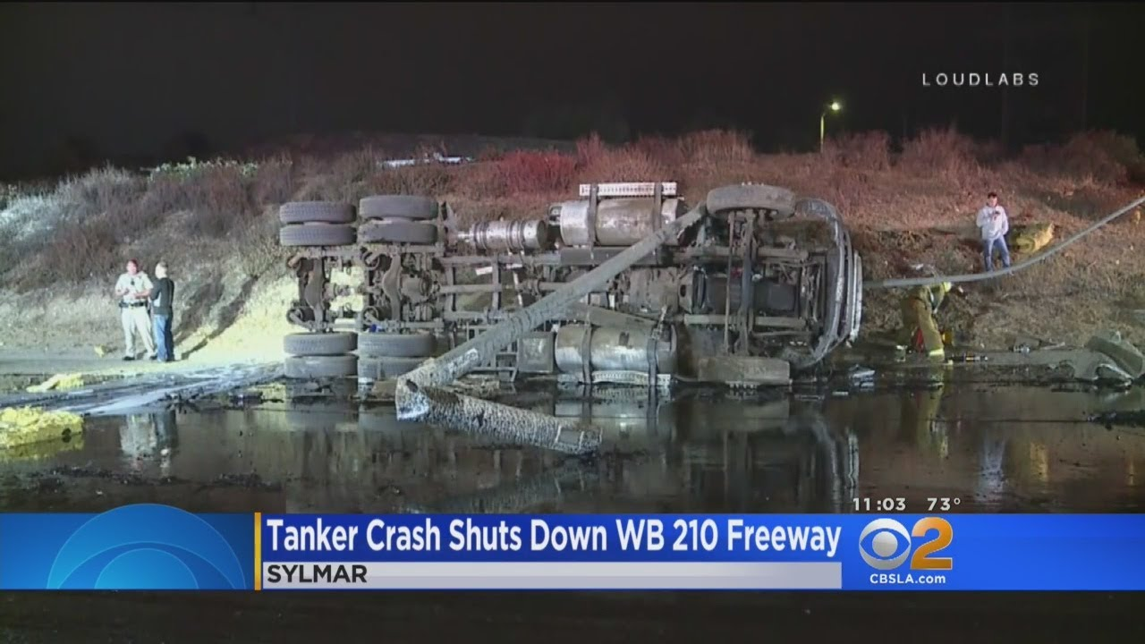 tanker-truck-crash-spills-hot-tar-all-over-wb-210-freeway