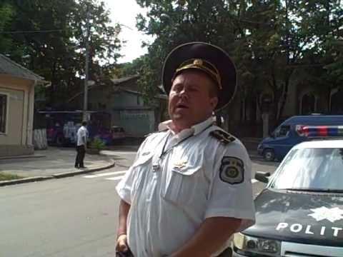 Curaj.TV - Poliţia rutieră operează în faţa CE