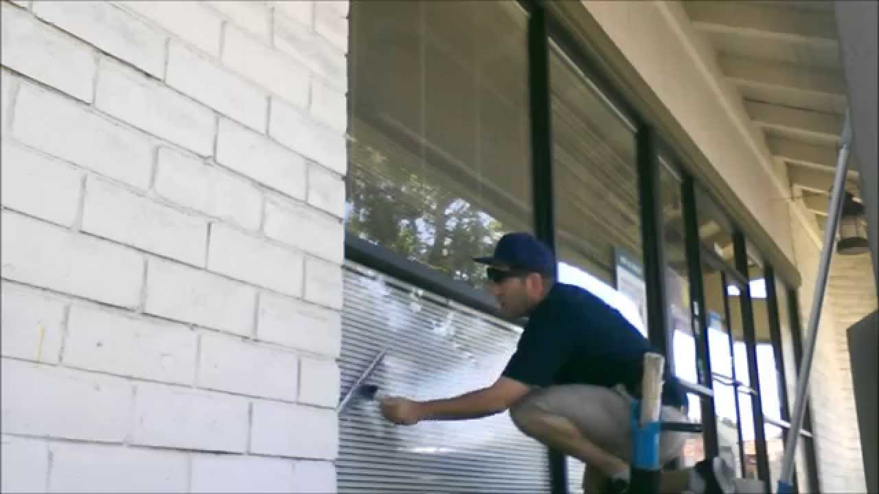 commercial storefront window cleaning techniques
