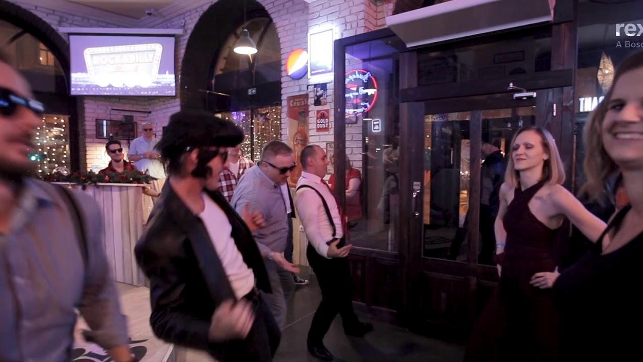 Rex & Roll - We like to move it (Xmas Flashmob)