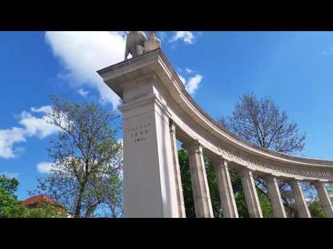 Памятник Русским солдатам в Вене
