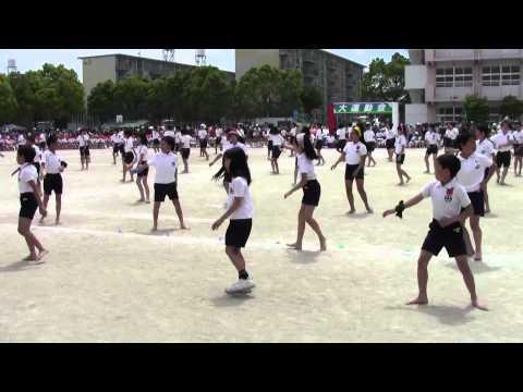 Đồng diễn của khối lớp 6 trong ngày hội TDTT (Nhật Bản)