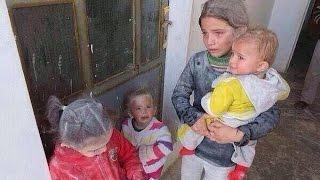 Сирия Люди в ужасе бегут из больницы от бомбежек ВКС России г Алеппо 19 11 2016(30 сентября 2015 года по единогласному решению В.В Путина ВКС России непосредственно начала бомбить Сирию..., 2016-12-28T18:25:20.000Z)