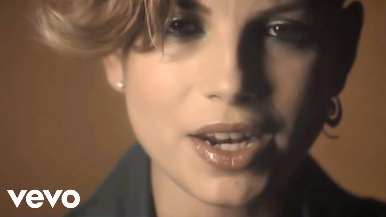 Noemi - Sono solo parole (Official Video)