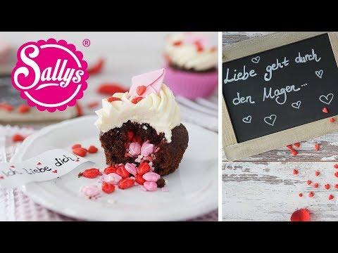 Valentinstags Cupcakes mit Überraschung / Inside Surprise Cupcakes / Sallys Welt