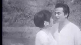 Razzak & Kabita on Swapno Diye Ghera - Aaloor Gaaney Bhuban Bharechey.mp4