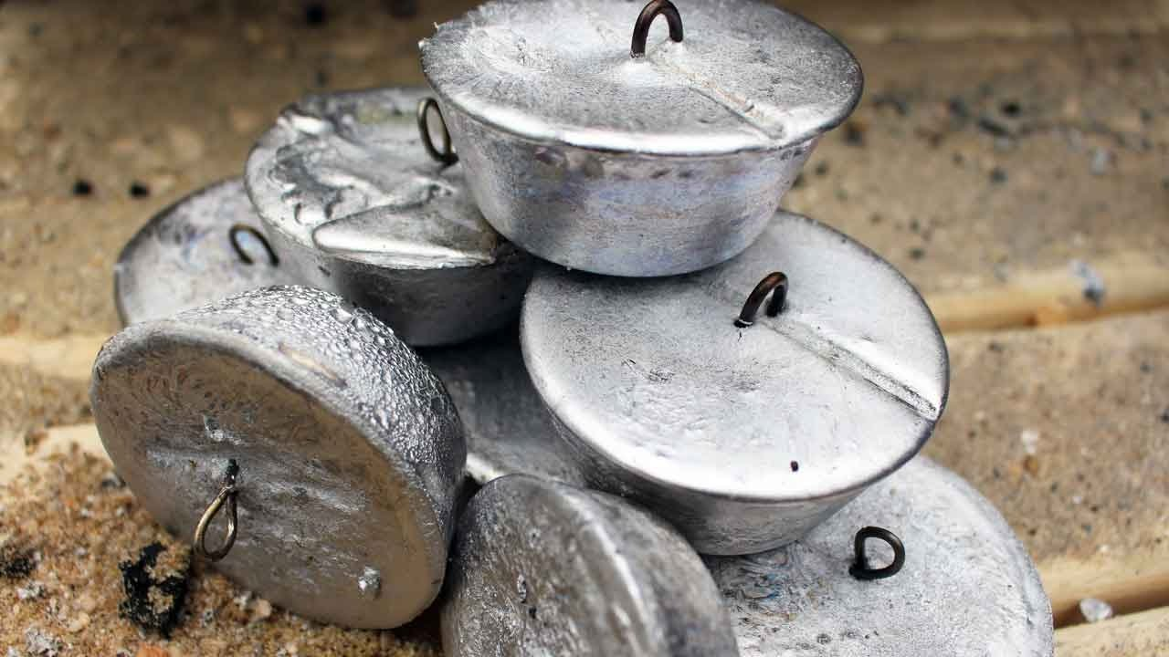 How to make fishing leads - DIY fishing weight moulds - make your own  sinkers