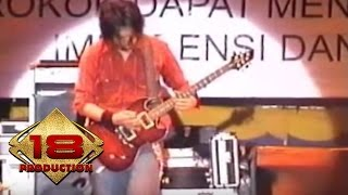 Cokelat - Ku Pilih Dia  (Live Konser Sidoarjo 30 januari 2006)