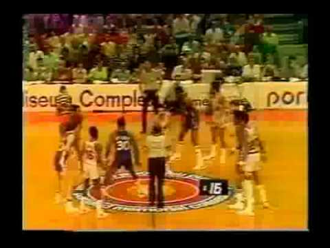 George McGinnis   last seconds of Game 6 1977 NBA Finals