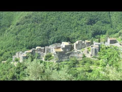 Property Italy Colletta e-village restored Realitalia