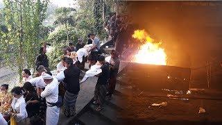 Download Video Kremasi Jenazah Korban Longsor di Taman Beji Gianyar | Krematorium Santa Yana Cekomari MP3 3GP MP4