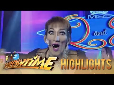 It's Showtime Miss Q & A: Anne gets scared by Candidate no. 3