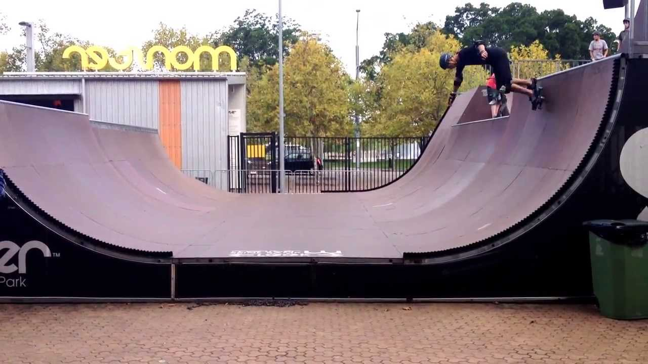 Mini Ramp Monster Skate Park