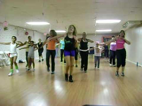 Que Te Mueve Dance Fitness With Tracy Davis Doovi