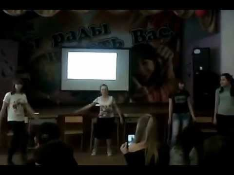 мальчишки ебут девчонок в школе видео