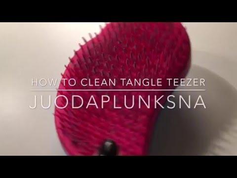 HOW TO: clean your tangle teezer | juodaplunksna