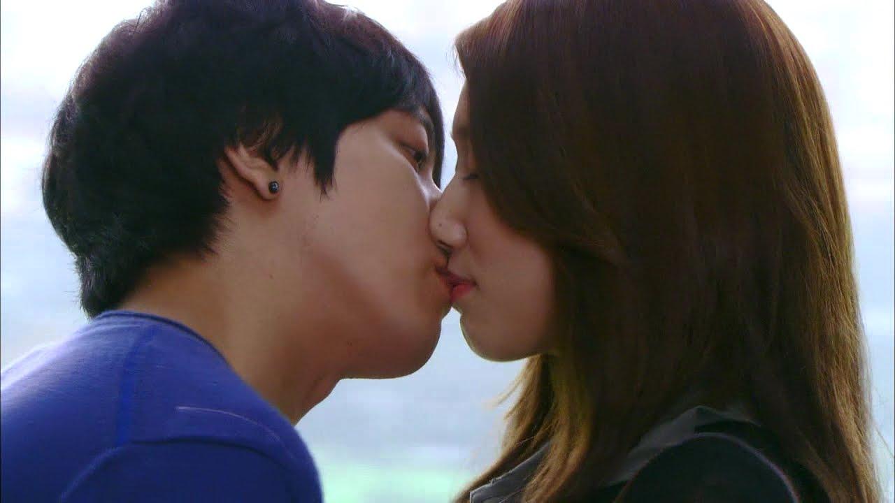 Download 【TVPP】Park Shin Hye - Kiss with Yong Hwa, 박신혜 - 용화(신)와 1년 후 재회의 키스! @ Heartstring
