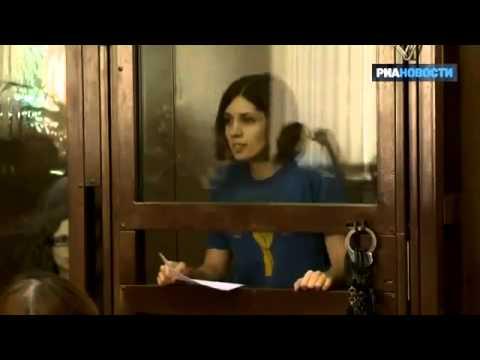 ЖЁЛТАЯ ПРЕССА Голая Ирина Шейк засунула живого питона