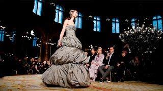 Valentin Yudashkin | Fall Winter 2018/2019 Full Fashion Show | Exclusive