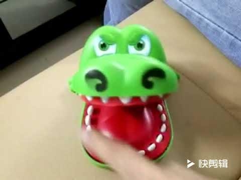 YanYang New Fancy Crocodile Press Tooth Game Kids Finger Bite Tricky Toys Family Prank Toy