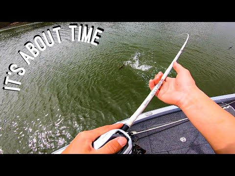 They Have FINALLY Started Biting!! ( Bass Fishing On Lake Guntersville )