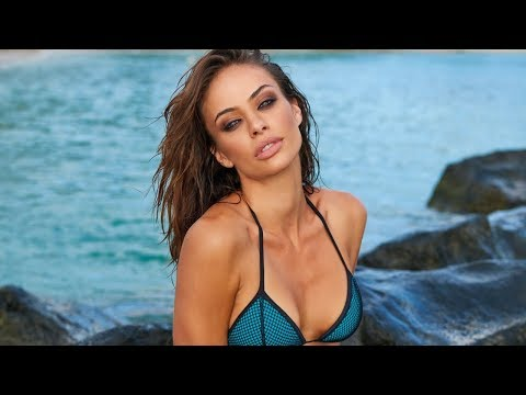 Gorgeous Nicole Meyer in Mauritius | WorldSwimsuit.com