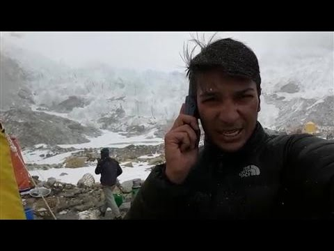 Near Mount Everest, Climber Reports From Quake Zone