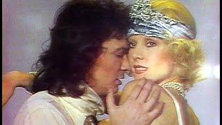 SYLVIE VARTAN super sexy emballe un MICHEL SARDOU super bougon (Show TV 1975)