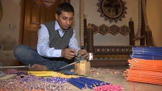 فيديو: باكستاني يحلم بدخول غينيس بأرجوحة صنعها من 200 ألف قلم رصاص…