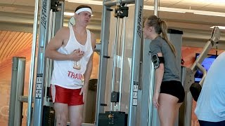 Video GIRL PUNCHES ME IN THE GYM! PRANK download MP3, 3GP, MP4, WEBM, AVI, FLV Juli 2018