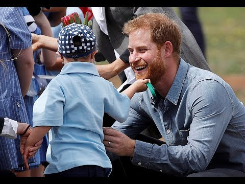 5-year-old tugs Prince Harry's beard in Australia