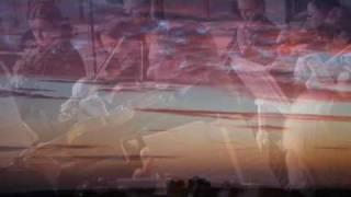 Antonin Dvorák - Serenade for String Orchestra E Major Op.22 - (1) MODERATO & TEMPO DI VALSE