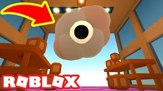 THE BOSS BATTLE ON THE TOP FLOOR IN ROBLOX CLEANING SIMULATOR