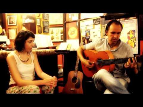 Jose Deluna tests Ramirez Guitars / Luthiers