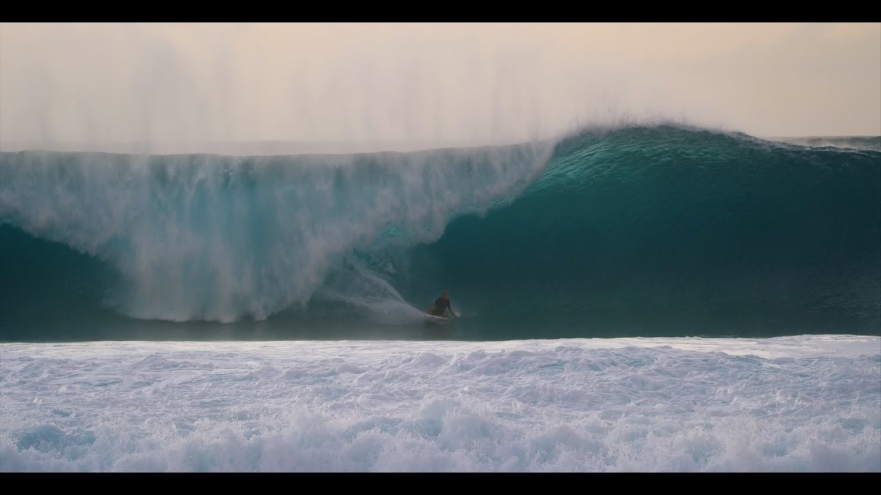 c6228c0f03 Kelly Slater at Pipeline