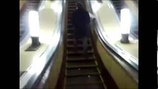 Пьяные в метро