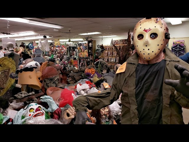 Rubies Halloween Costumes Jason Freddy walk through 2018