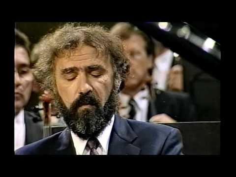 Mozart Piano Concerto No23-2M (2/3) Sándor Végh Radu Lupu Vienna Philharmonic