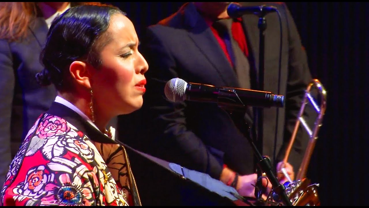 Pink Martini feat. Edna Vazquez - Sola soy | Live from San Francisco - 2019