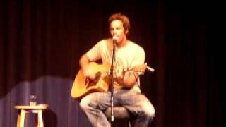 """Baixar Jack Johnson performs """"Banana Pancakes"""" at the Arlington in S.B."""