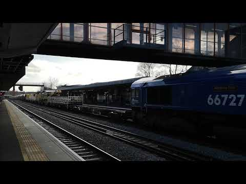 66727 comes to Colas rescue and brings 6X50 through Oxford