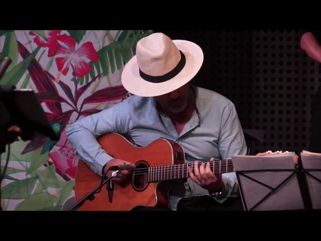 Souvenir de France - été 2019 - Carlos, le guitariste