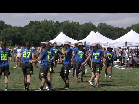 Boston Brute Squad's #10 Amber Sinicrope Layout Callahan | 2018 World Ultimate Club Championships
