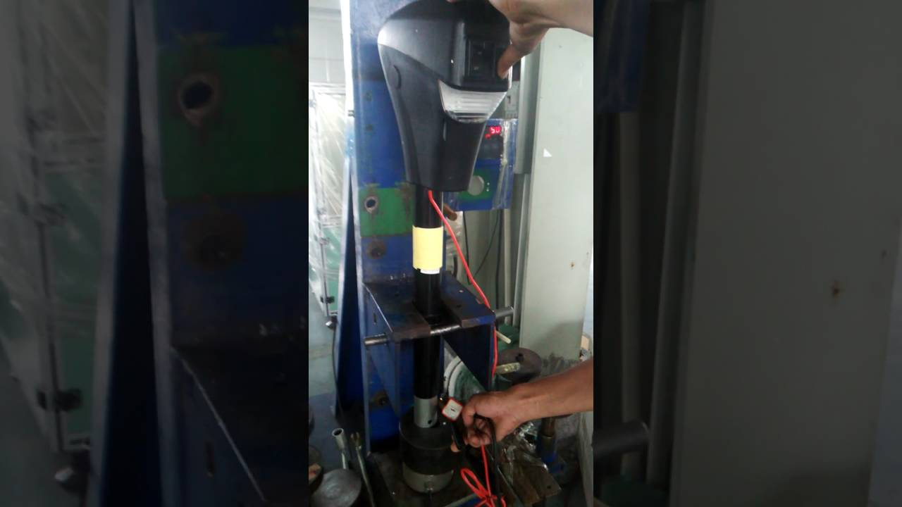 Zeny 3500 Lbs Electric Power Tongue Jack Operation Video Youtube Wiring